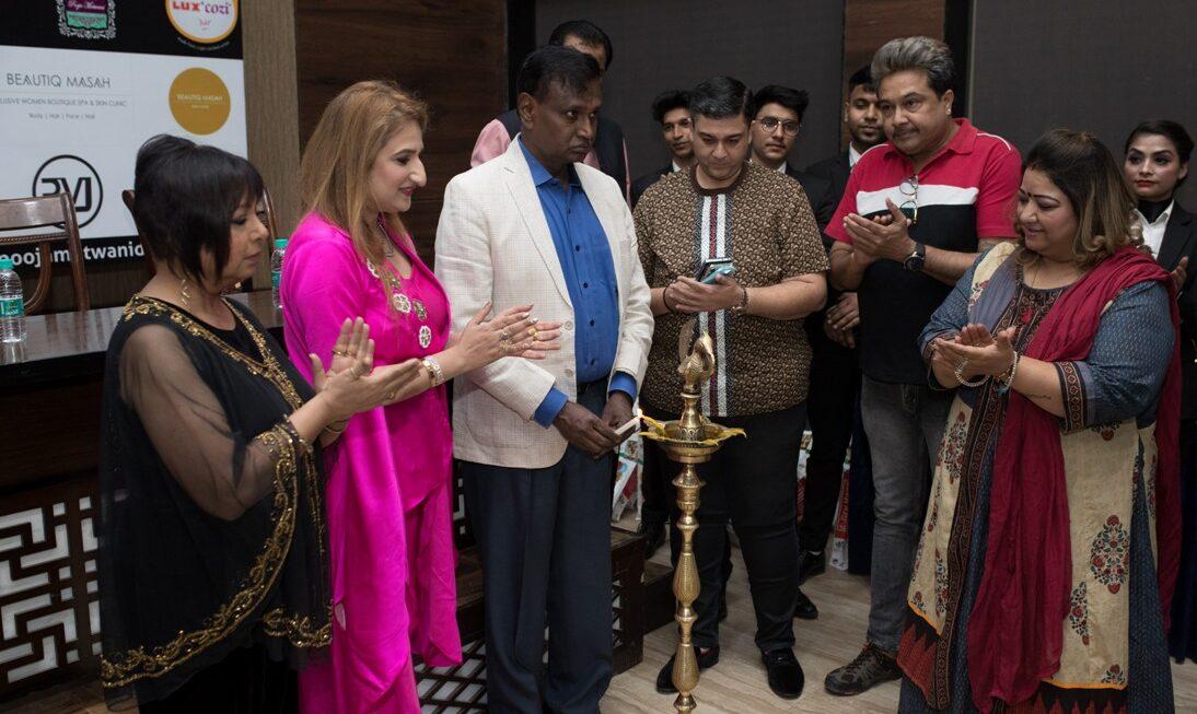 Pooja Motwani & Raahat Aid Foundation Presented Empowering Women Award 2021